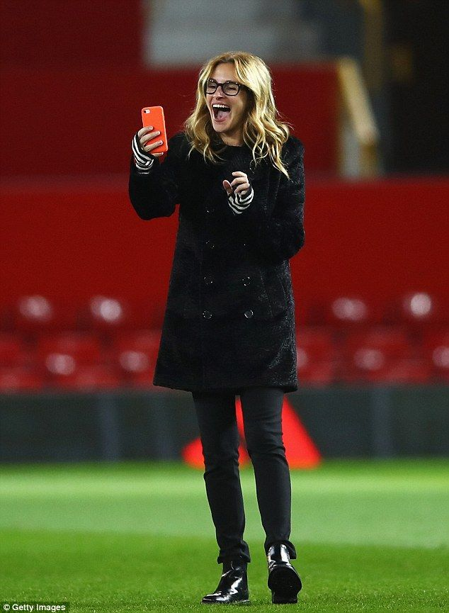 From red carpet to green turf: Hollywood megastar Julia Roberts took selfies at Old Traffo...