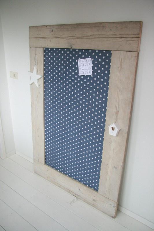 Prikbord Wil je een bord uit vilt maken kijk eens op http://www.bijviltenzo.nl Ook leuk uit Design vilt