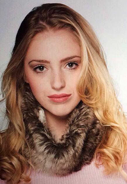 Model Martina Sophie makeup by Kaityln Kent