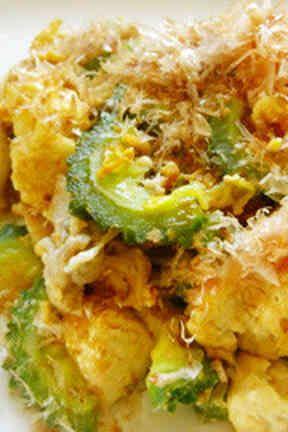 豆腐と卵がふわっとゴーヤチャンプル
