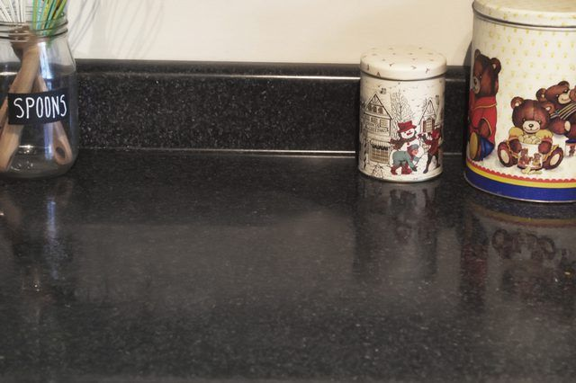 Removing Hard Water Stains From A Quartz Countertop Hard Water Stain Remover Hard Water Stains Quartz Countertops