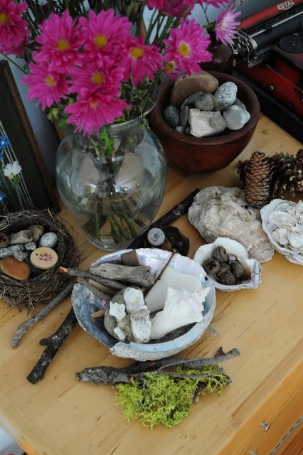 Within the Reggio Emilia schools, great attention is given to the look and feel of the classroom.  Just feast your eyes on some of the wonderful images of Reggio Emilia inspired preschools