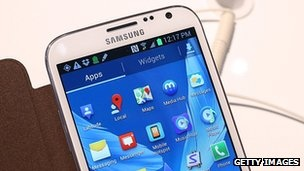 Global sales of mobile phones fell in 2012 compared with the previous year, according to a report from research company Gartner.