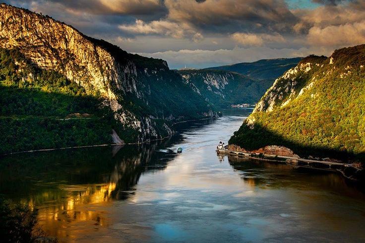 Dunărea la Cazanele Mici
