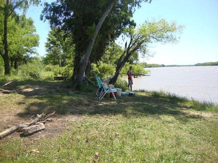 Juan Guerrero: medio día en familia sobre el Paraná de las palmas en zarate