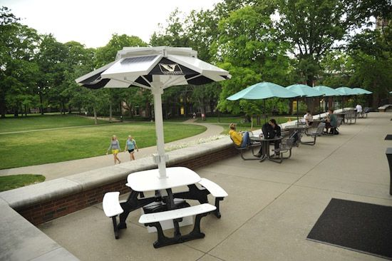 Members of the Vanderbilt community can now enjoy the outdoors and charge their personal electronics at the same time thanks to four solar-powered charging stations that have been installed on campus.