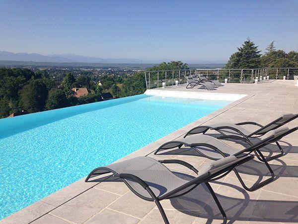 Les 25 meilleures id es concernant piscine semi enterr e for Piscine beton enterree