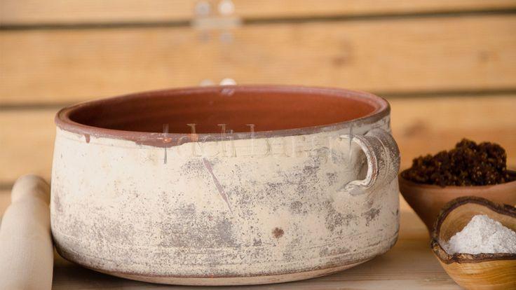 minoan pot