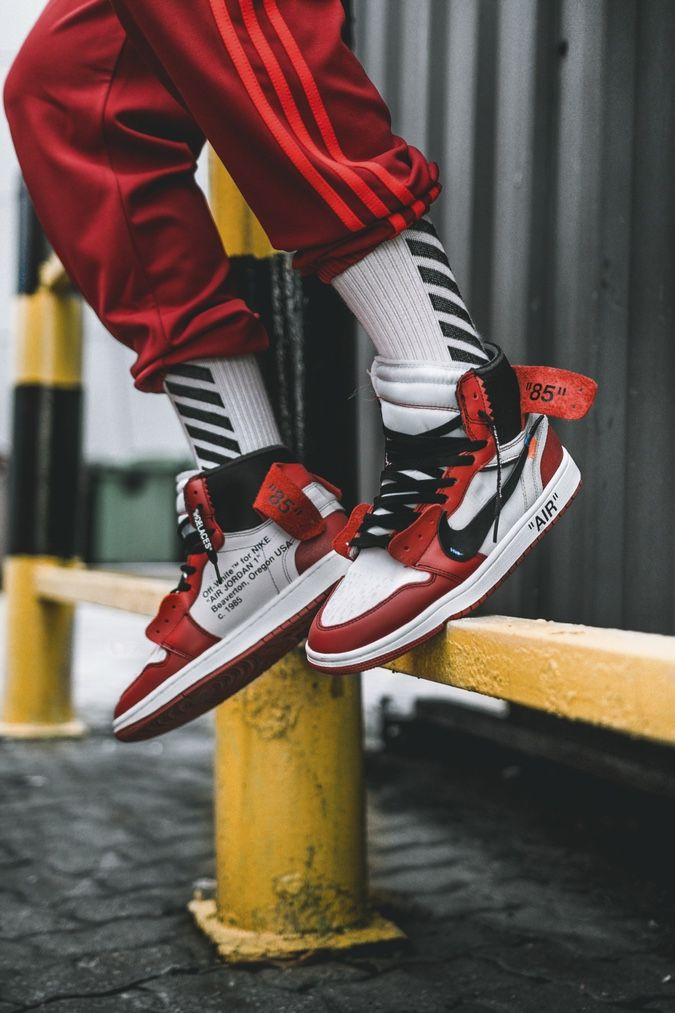 881723b1455d Off-White x Air Jordan 1   On-feet Preview