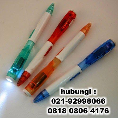 Souvenir pen senter untuk perayaan natal anda Untuk penjelasan lebih lanjut, segera hubungi saya di (021) 9299 8066 & 081808064176 dengan ibu aleng Pin bb : 22193E05 Email : zero.promosi@yahoo.com