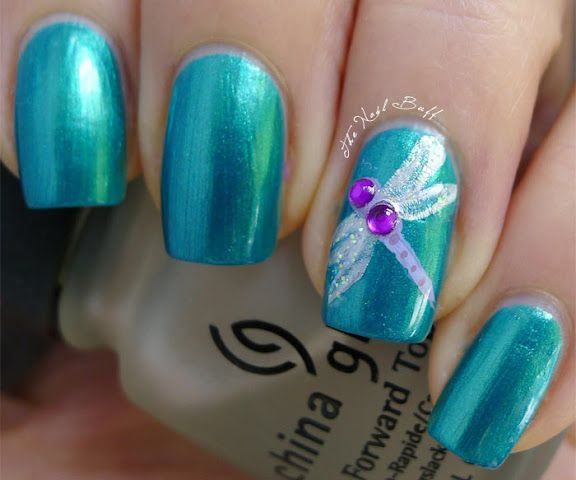 More to save the blog than because I want to do the design. The Nail Buff: Spring Challenge: Bugs