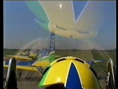 Esquadrilha da Fumaça - um dos melhores vídeos (Programa Fantástico 2006)