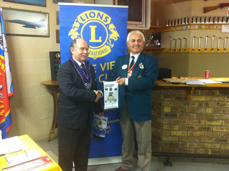 LP Rocky Wright received DG J Lang's Banner  #tableviewlions