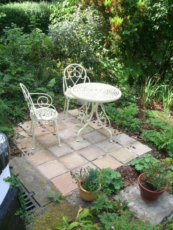 Somewhere to sit – Heaton Moor, Stockport