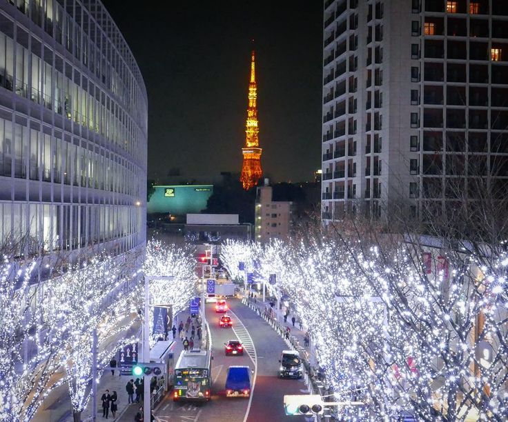 Tokyo tower from Roppongi Hills with Christmas lights