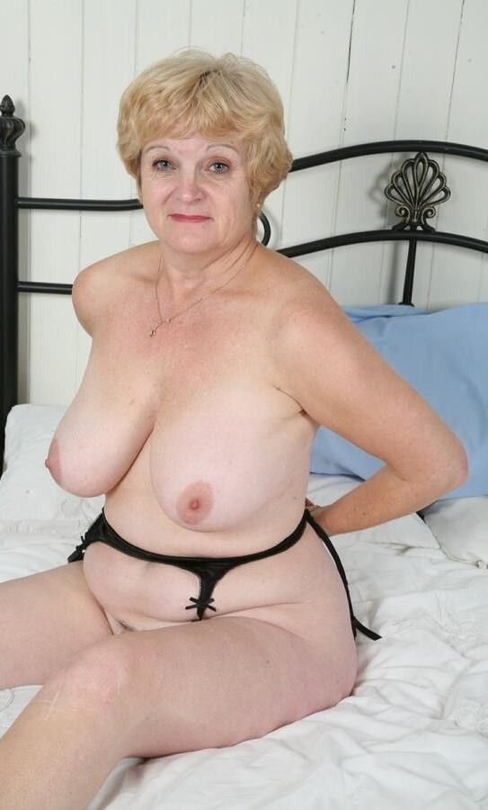 Older naked busty women #6