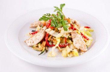 Салат из куриной грудки - простой и вкусный. Рецепты приготовления салатов из куриного филе с фото