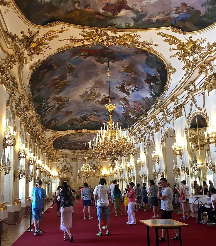 Apen matkat: Wien osa 6, valtava Schönbrunnin palatsi