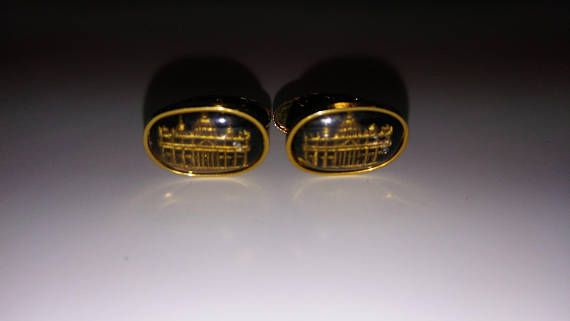 Check out this item in my Etsy shop https://www.etsy.com/listing/533392100/white-house-cuffs-links-enamel-golden