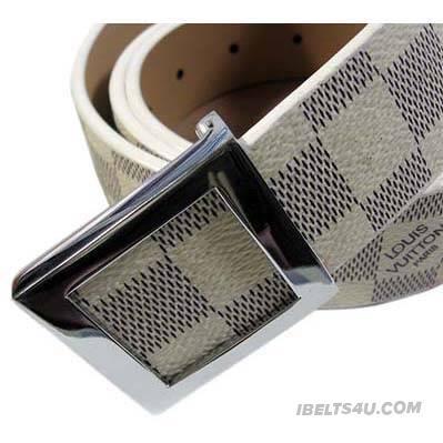 Stylish Louis Vuitton Men's Belt