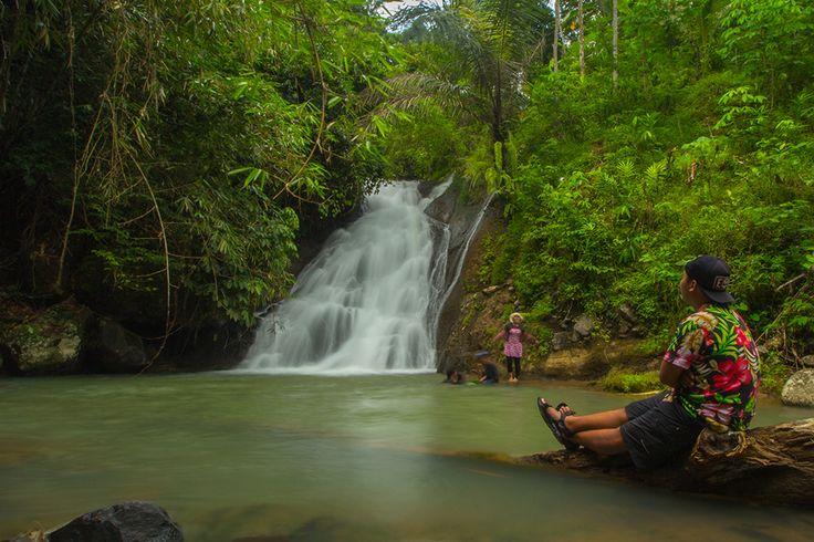 Pada tulisan kali ini saya akan bercerita tentang perjalanan saya ke sebuah curug yang sedikit berbeda dari perjalanan saya lainnya, yang memberikan kesan lebih dan mendalam untuk saya pribadi dan semoga menginspirasi pembaca. Curug ini bernama Curug Glimpang, letaknya berada di Dusun Prangkokan, Desa Purwosari, Kecamatan Girimulyo, Kabupaten Kulon Progo, Yogyakarta. Untuk menuju ke lokasi …
