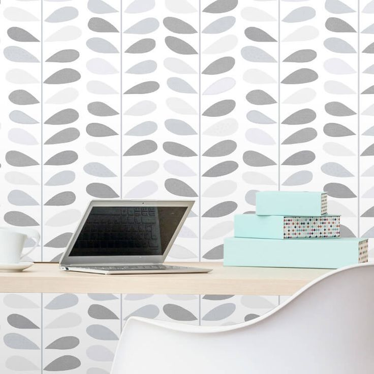 Add a touch of fun to your home with leaf print glitter wallpaper from Debona. Debona wallpaper is in stock at Go Wallpaper UK.
