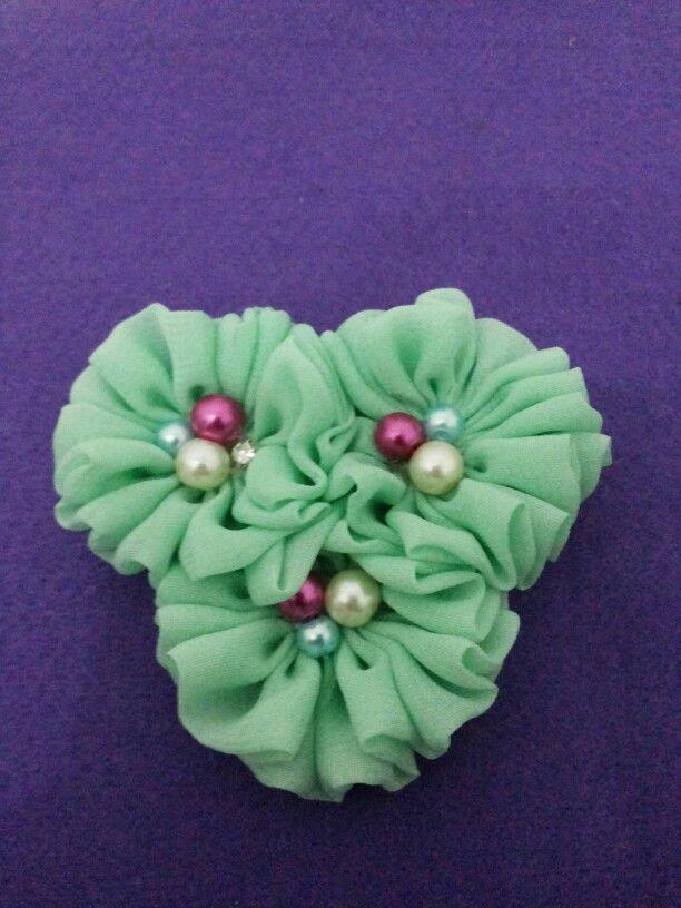 Broch 3 green flower