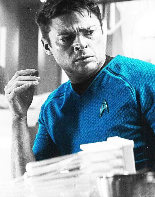 McCoy (Karl Urban) Star Trek/Star Trek Into Darkness