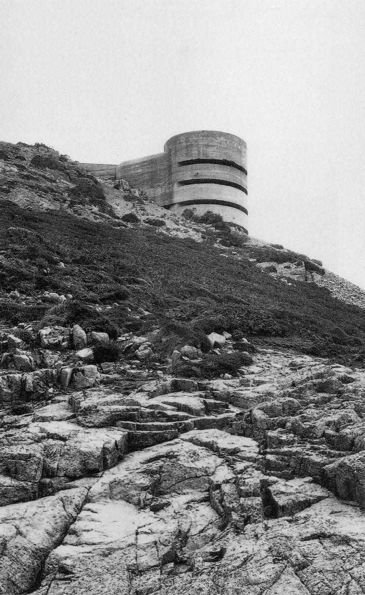 Bunker Archeology · Paul Virilio