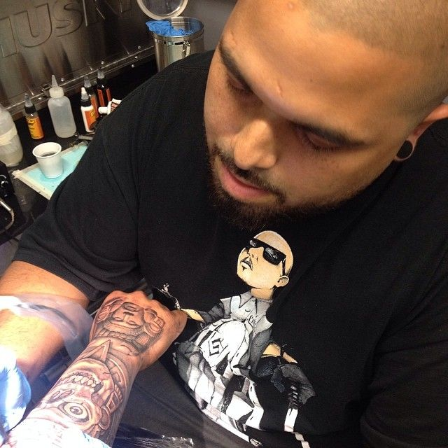 David Vega from Texas, owner of The Living Stone Tattoo Studio, have the goal to provide the highest quality art in a professional atmosphere