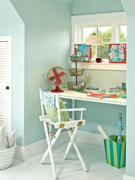 a little corner just for gift wrapping - how awesome would that be?
