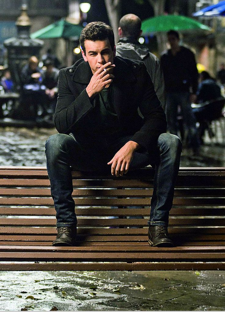 Mario Casas. yep. this is the wallpaper on my phone now. i don't even care.