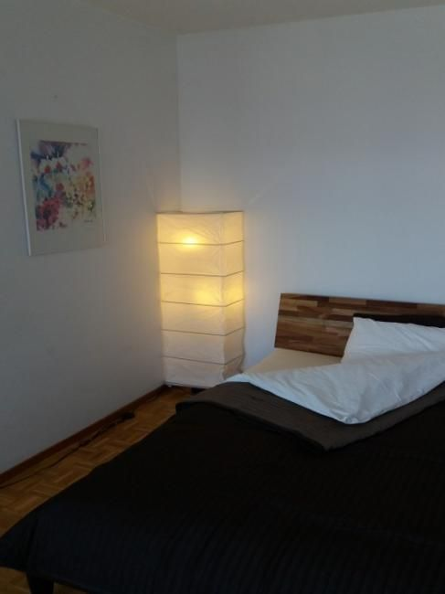 Studio flat available 1st april 2018 : Very functional and conveniently located studio flat in a residential area surrounded by amenities.   Description: Panoramic window giving on Jura Mountains line and the interior court=very quiet n...