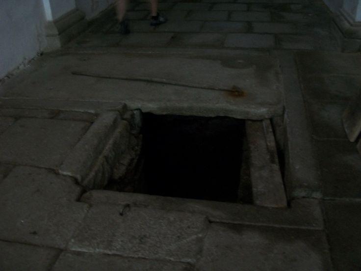 chodba do podzemí