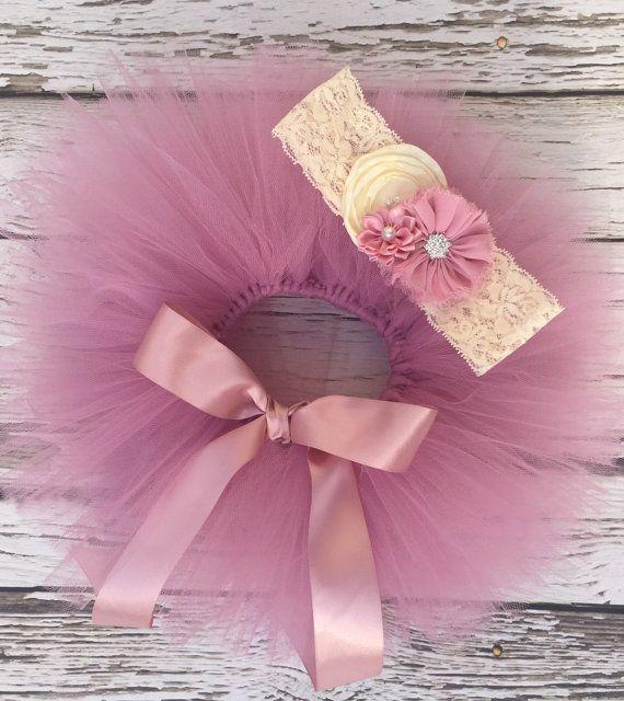 Newborn tutu. Baby tutu set. Pink tutu. Picture by KadeesKloset