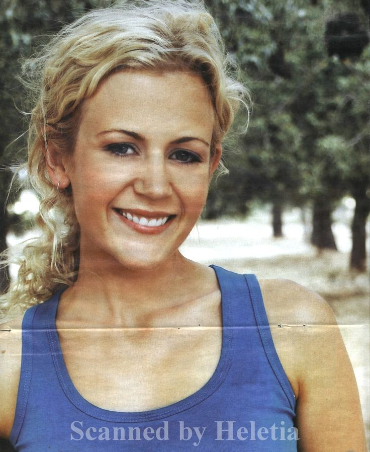Rachael Carpani as Jodi Fountain McLeod