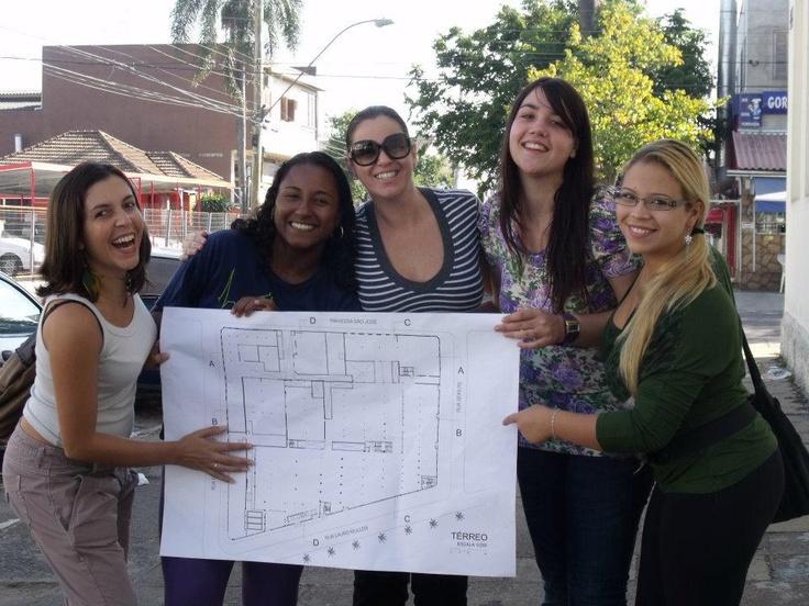 Alunas de Arquitetura e Urbanismo participam do workshop para uma nova proposta ao Centro Universitário Metodista Unidade DC Navegantes. Foto de Luana Sumariva.