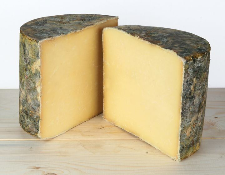 Avonlea Clothbound Cheddar :: cows.ca #simplepleasures #CDNcheese