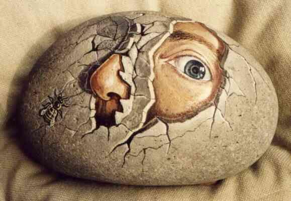 Egg - stone art