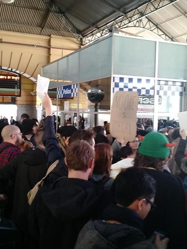 Posted on 28 August, 2015by Undercover1 Yesterday (Friday) a remarkable thing happened in Melbourne. Thousands of people took to the streets with only an hour's notice and stopped officers from the... http://winstonclose.me/2015/08/29/australias-border-force-humiliated-in-attempted-racial-profiling-op-challenge-issued-to-transfield-written-by-undercover-info/