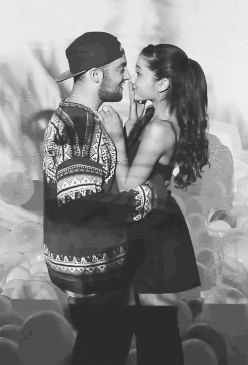 Kissing the Mac Miller gifs gif cool images romance happy artist kissing holding mac miller gifs kisss