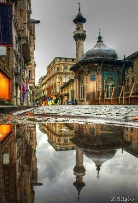 After Eminonu rain / İstanbul