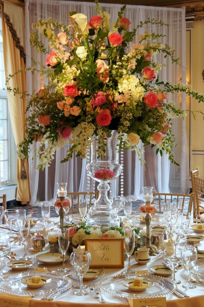 Tall wedding centerpiece & decor by Design Works floral ...