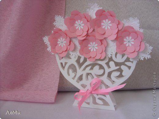 Открытка Вырезание: Ваза с цветами Бумага 8 марта, День матери, День рождения