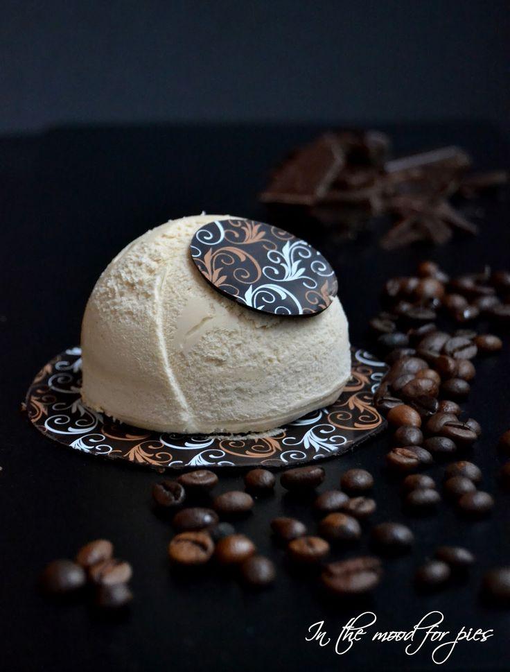 In the mood for.....: Semifreddo al caffè con biscotto al cioccolato per...