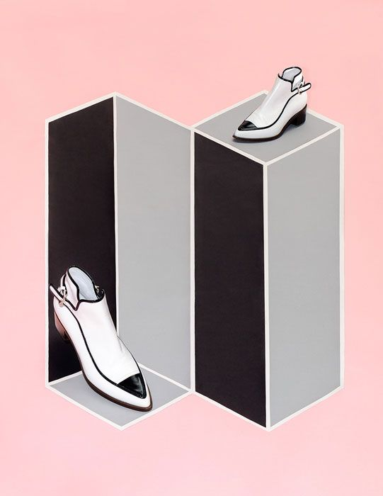 The optical illusion of these vector shapes showcases the shoes well. The understated color palate is also very appealing and harmonious.