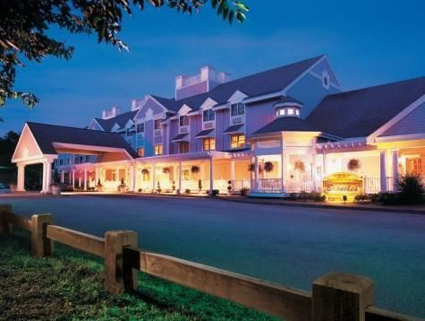 Ledyard (CT) Two Trees Inn at Foxwoods United States, North America Two Trees Inn at Foxwoods is perfectly located for both business and leisure guests in Ledyard (CT). Featuring a complete list of amenities, guests will find their stay at the property a comfortable one. To be found at the hotel are free Wi-Fi in all rooms, 24-hour front desk, facilities for disabled guests, business center, family room. Air conditioning, heating, desk, television, satellite/cable TV can be fo...