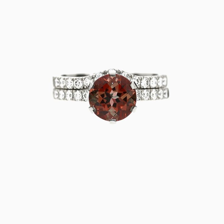 Crown Azura Ring Set With Garnet