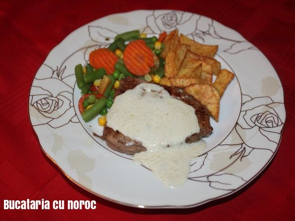 Friptura cu sos gorgonzola - Bucataria cu noroc