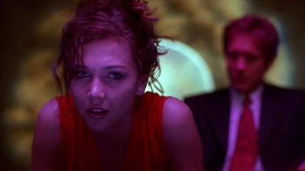 maggie gyllenhaal film screenshots blurred background secretary movie james spader